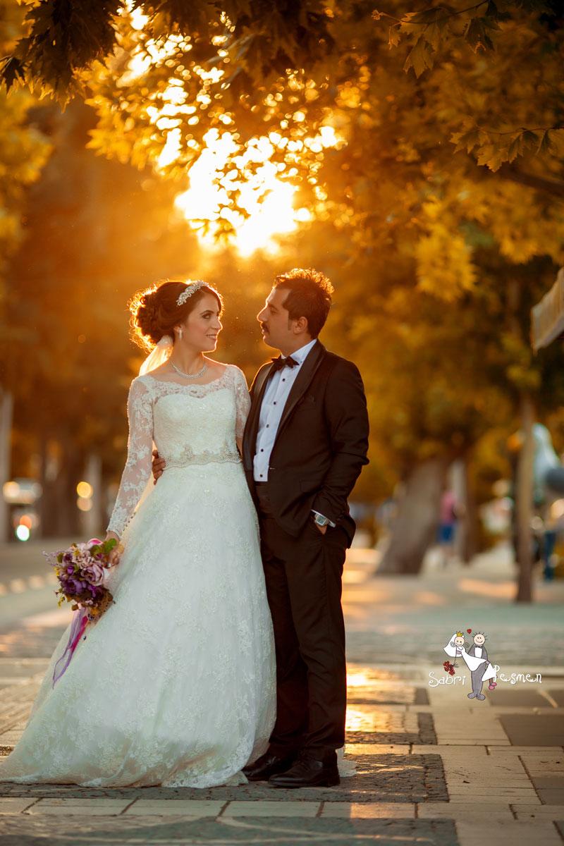 Dış-Çekim-Düğün-Pozu-Örnekleri-Amasya-Düğün-Fotoğrafçısı-Sabri-Peşmen-Fotoğrafları