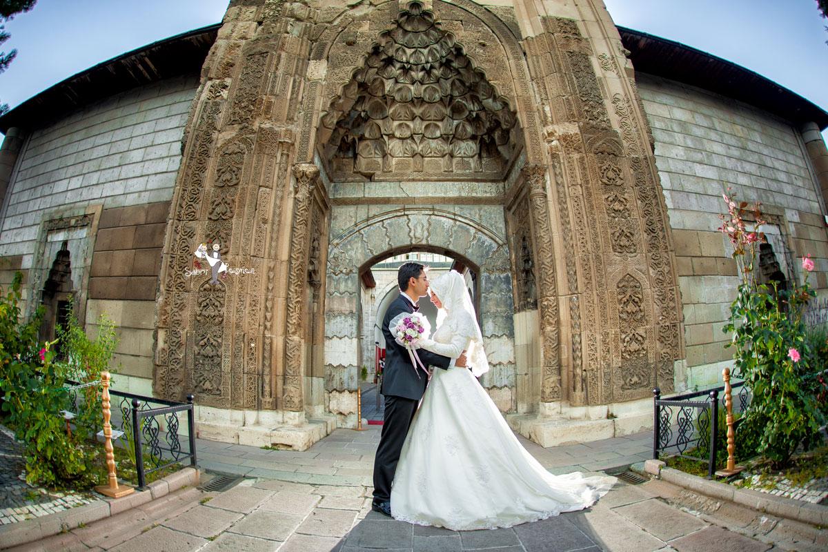 Tesettür-Düğün-Fotoğrafçısı-Amasya-Sabri-Peşmen-Dış-Çekim-Düğün-Fotoğrafları