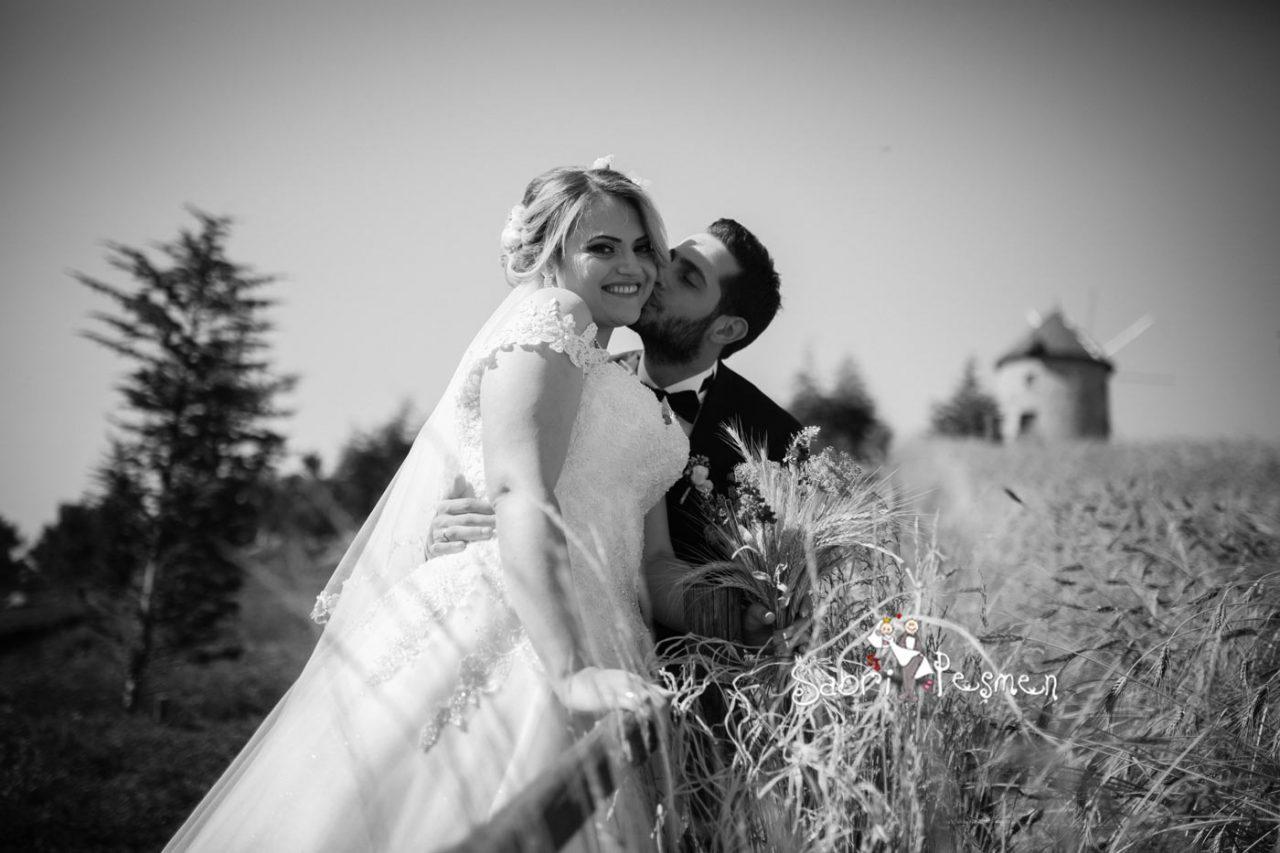 Dış-Çekim-Tesettür-Düğün-Fotoğrafları-Altın-Köy-Açık-Hava-Müzesi
