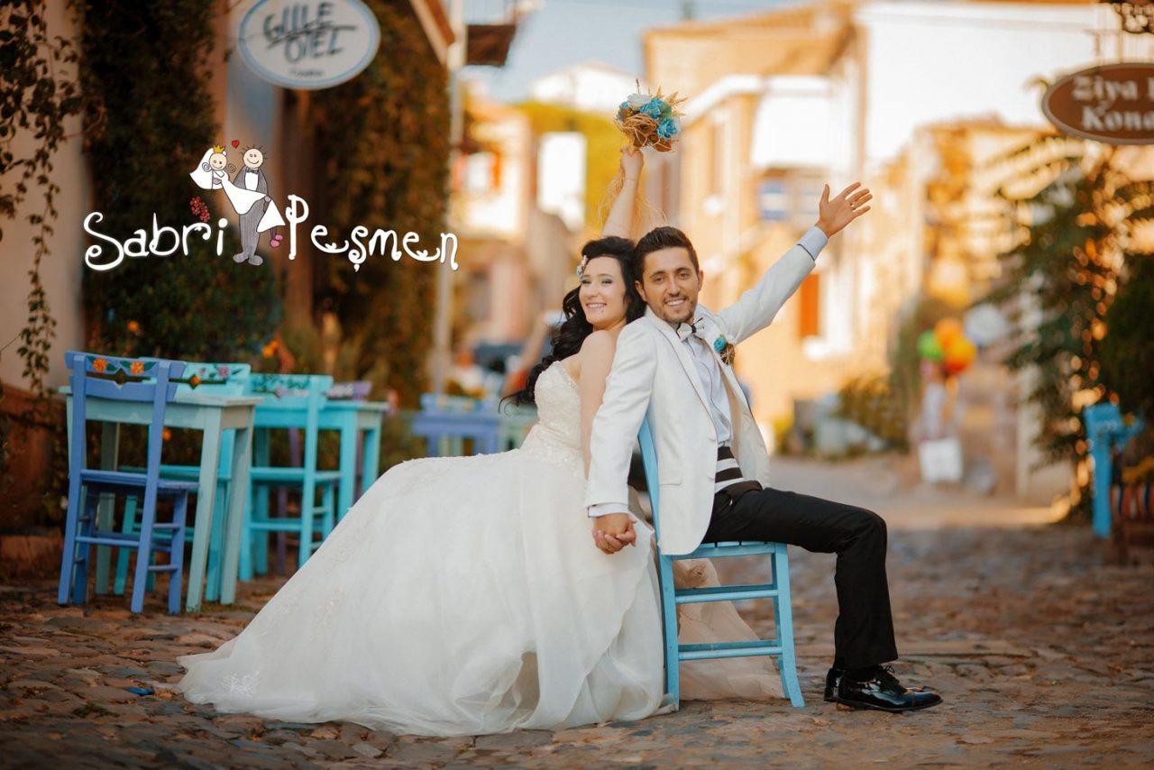 Balıkesir-Cunda-adası-Eski-Sokaklarda-Düğün-Fotoğrafı