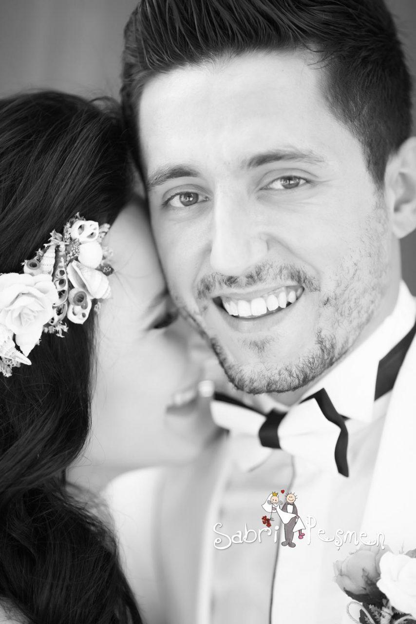 Balıkesir-Edremit-Cunda-Adası-Dış-Çekim-En-iyi-Siyah-Beyaz-Düğün-Fotoğrafları